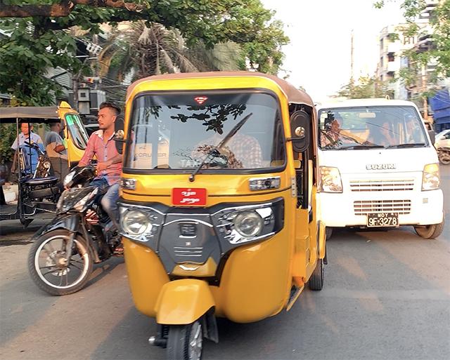 Mandalay_tuktuk